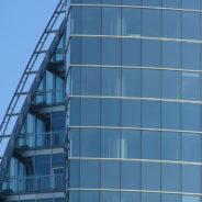 Voor glazenwasser Mercator Cleaning uit Antwerpen is geen raampartij te hoog